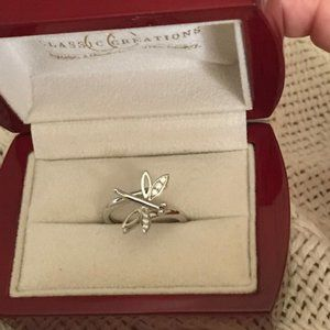 18K White Gold Dragonfly Ring with Diamonds by Classic Creations - Size 7 1/4